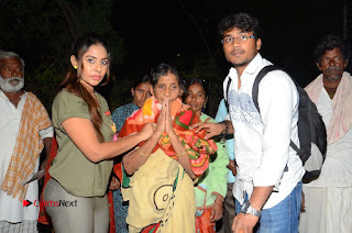 Actress Sri reddy (apthatrust director) Distrubuted Blankets for Orphans at Sai Baba Temple  0047.JPG