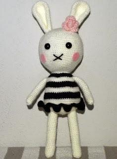 http://xuabe-xuabe.blogspot.com.es/2015/01/amigurumi-audrey-bunny.html