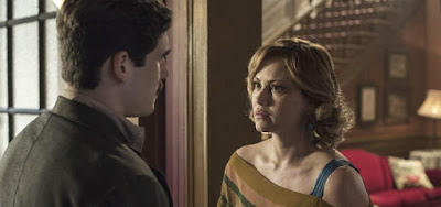 Capítulo de 25 novembro,  Marion salva Alfredo de apodrecer na cadeia com um beijo em Éramos Seis