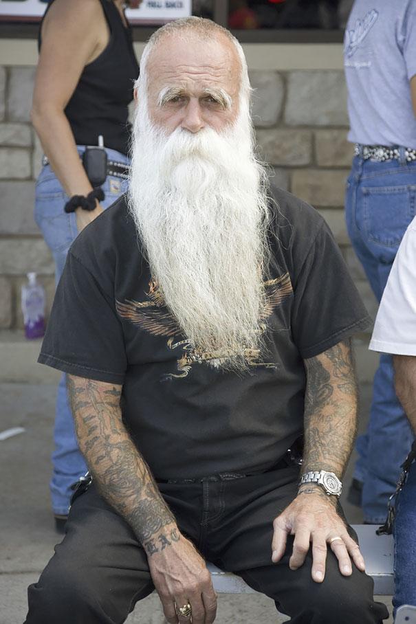 tattooed-elderly-people-16