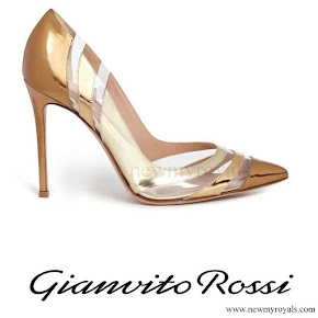 Queen Maxima wore GIANVITO ROSSI Metallic Pumps