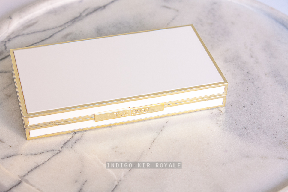 e2b981f0d1f4 The super luxe Tom Ford palette looks like an expensive clutch on the  outside.