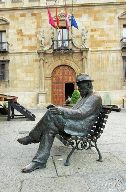Antonio Gaudi, León
