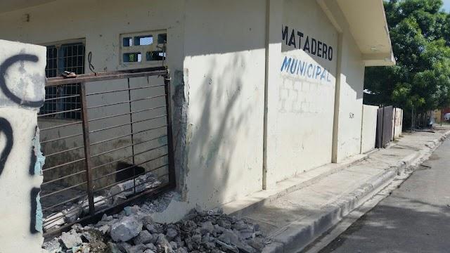 Vecinos se quejan por malos olores de matadero Padre Las Casas