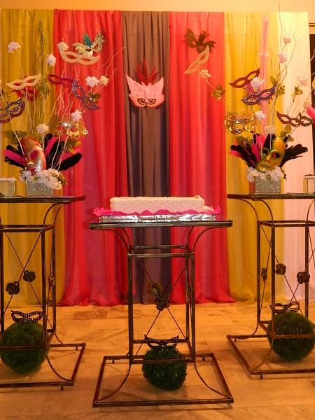 decoracao-para-festas-de-18-anos-tema-festa-a-fantasia-ou-baile-de-mascaras