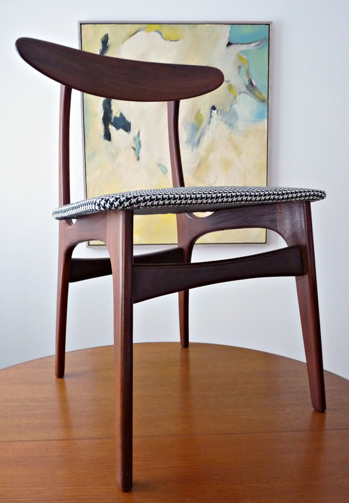 How To Reupholster Dining Chairs Diy Houndstooth Upholstered Vintage Teak Chairs Dans Le Lakehouse