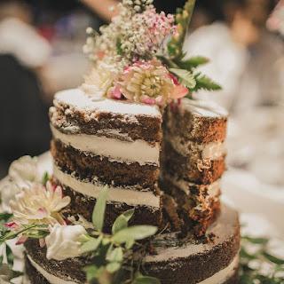 Tarta de boda Naked cake. tarta de zanahoria