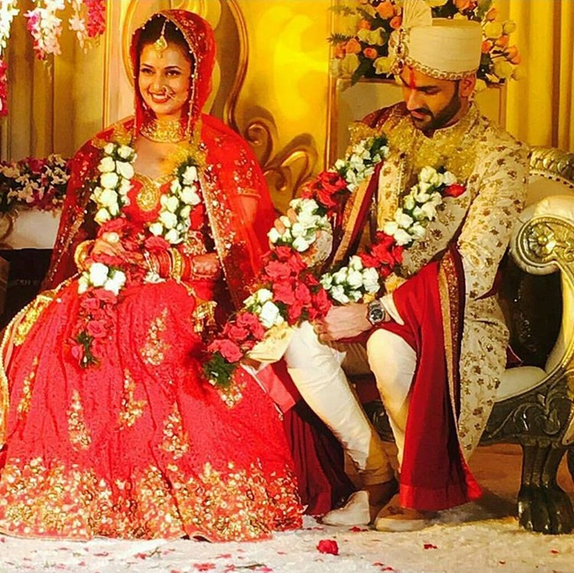 Check out divyanka tripathi and vivek dahiya wedding pics Married to design