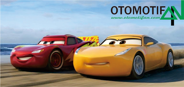 Cars 3 Pixar Review: Lightning (McQueen)