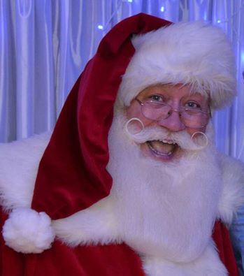 História da criança que morreu nos braços do Pai Natal é uma farsa