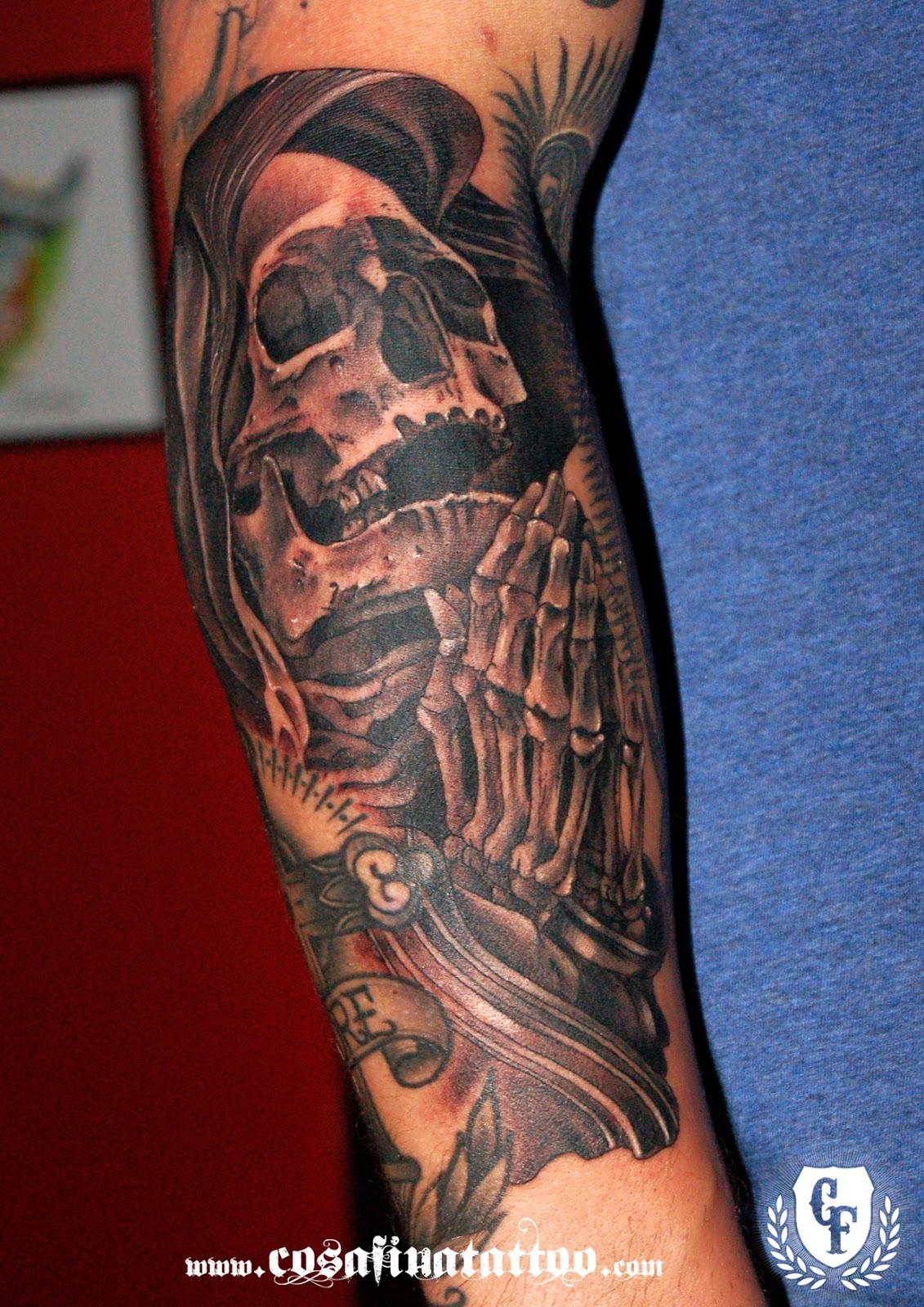 Cosafina Tattoo Carlos Art Studio Tatuaje Calavera Manos Rezando