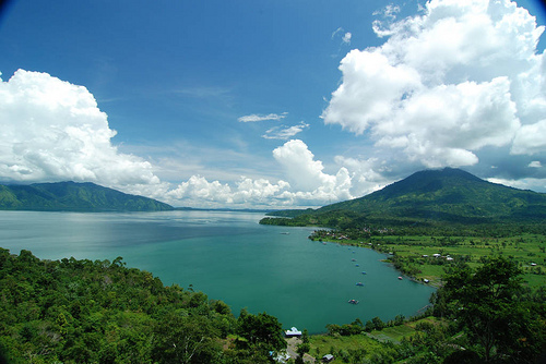 Danau Ranau lampung Barat Tempat hunting yang bagus di bandar lampung Sekaligus Tempat Wisata