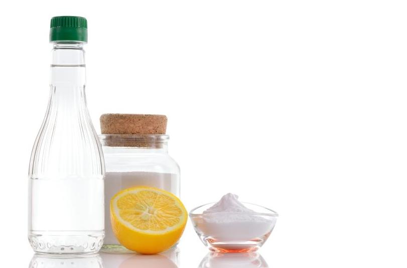 actas pakeičia pusę buitinės chemijos