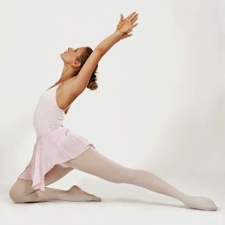 Ballet dancer in convertible tights