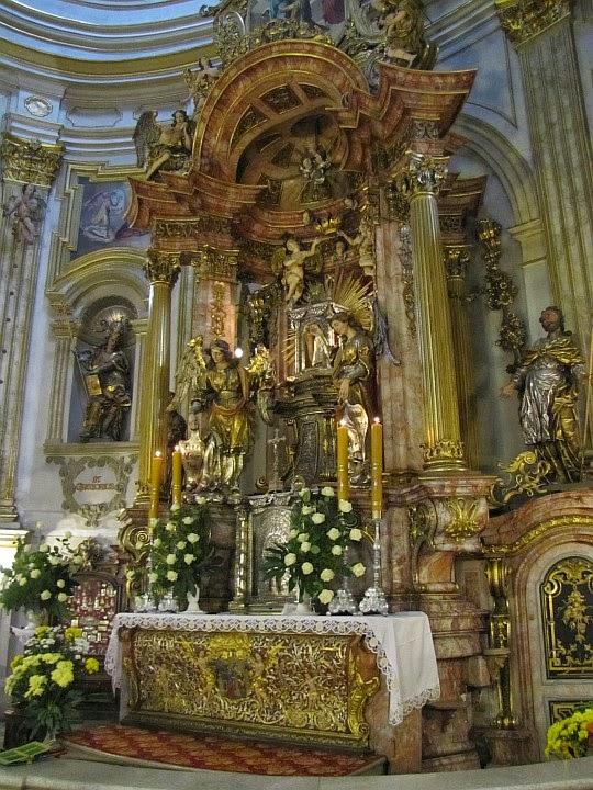 Ołtarz główny w Sanktuarium Matki Bożej Wambierzyckiej Królowej Rodzin.