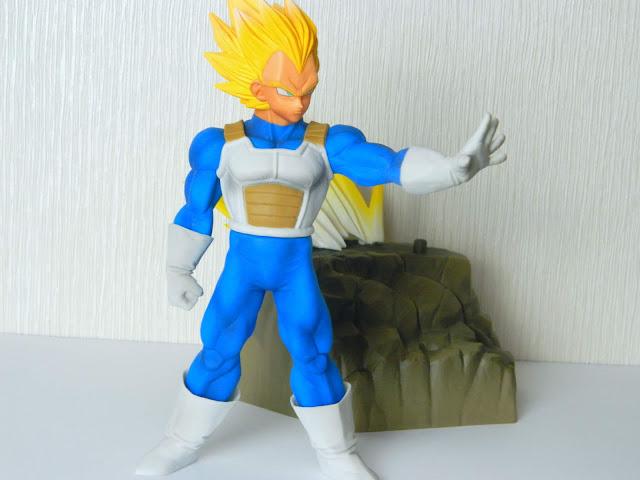 Banpresto Absolute Perfection Super Saiyan Vegeta Figure