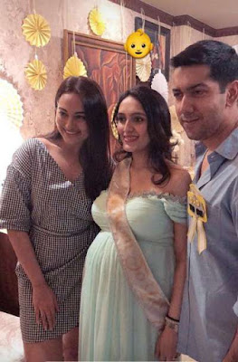 sonakshi-sinha-at-jaanvi-desai-baby-shower