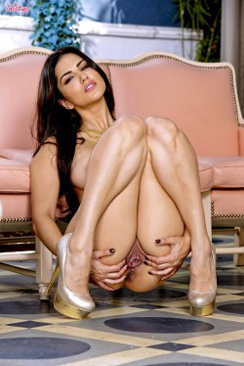 Sunny Leone Hot Pussy