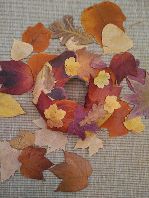 corona, wreath, couronne, otoño, autumn, fall, automne, hojas secas, dry leaves, feuilles séches
