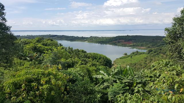 Một góc Hồ Trị An nhìn từ Núi Cúi