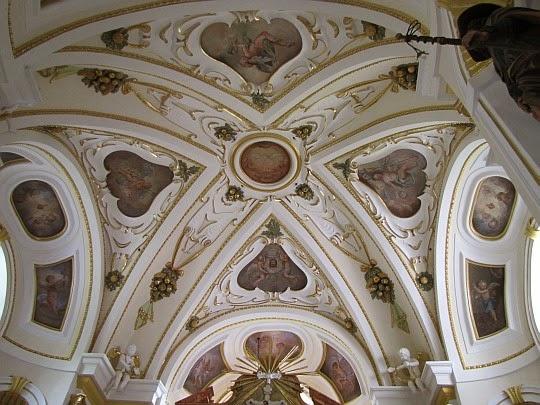Sklepienie w Sanktuarium na Kościelcu.