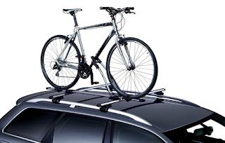 como transportar bicicletas no teto do veículo