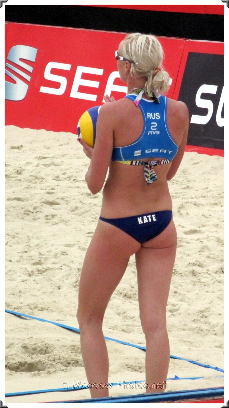 Serve of Russian Beach Volleyball  Player Kate (Ekaterina Khomyakova)