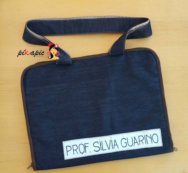 Exterior maletín profesora Pikapic