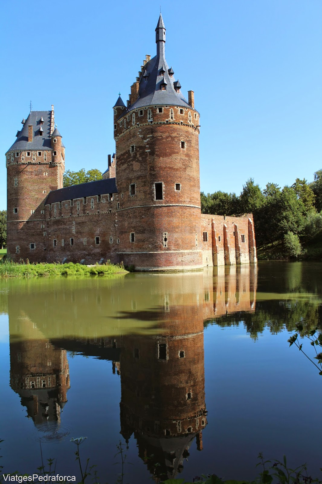 Chateau castell medieva de Beersel Flandes Belgica