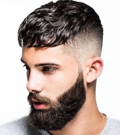 potongan rambut pria keriting keren