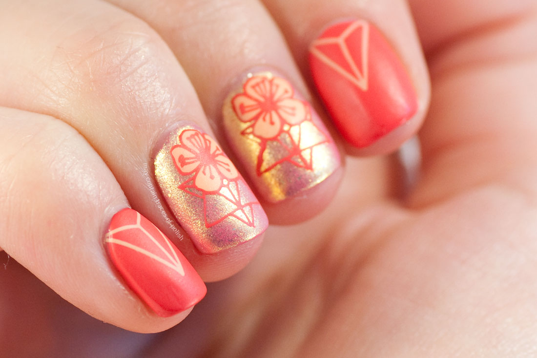 MoYou Flower Power 21 shimmer nail art