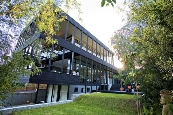 Top Livingroom Decorations: Modern Waterfront Home - Wood ...