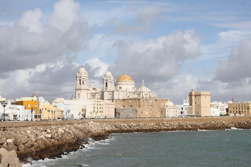 Blick auf die Kathedrale von Cádiz