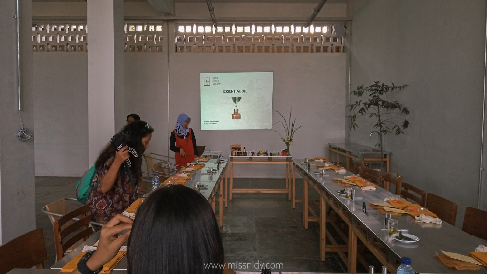 citronella science lab di rumah atsiri indonesia