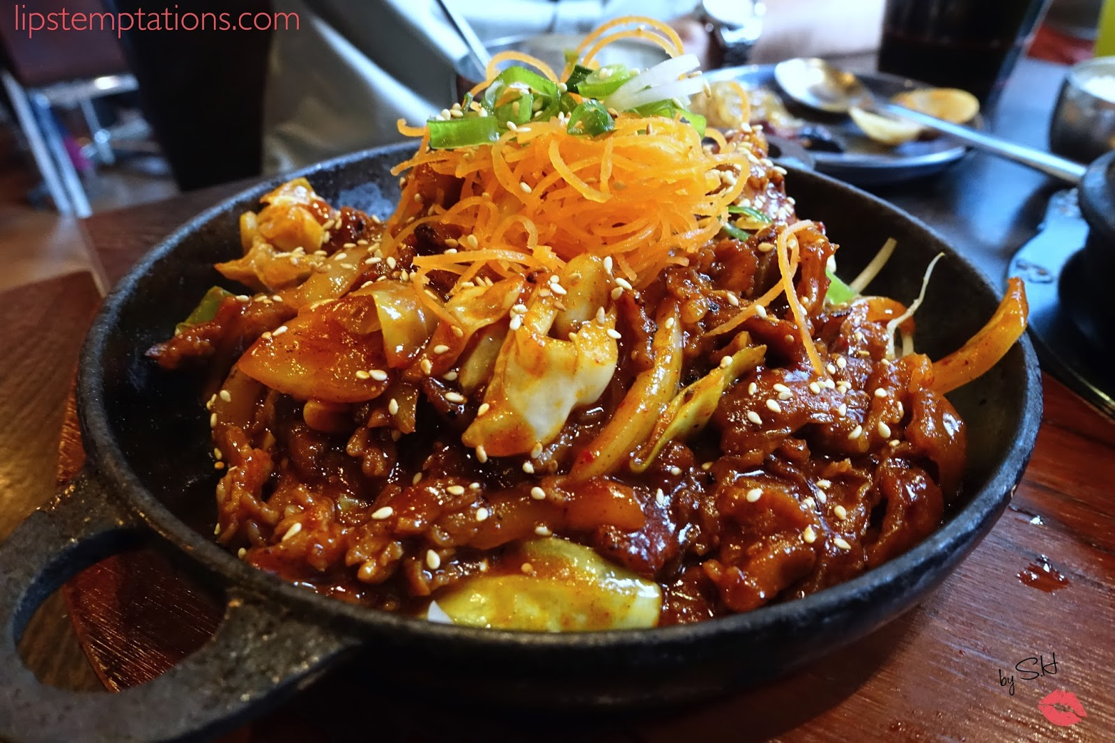 L A Galbi Korean Style Marinated Beef Short Ribs Bbq Grilled Served On A Sizzling Plate 16 This Is My Favourite Dish At Big Mama It Was Delicious