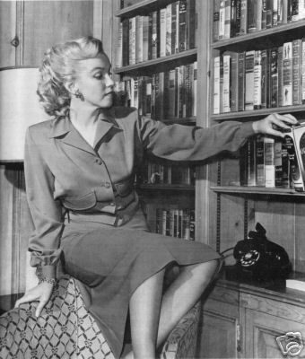 Marilyn Monroe Personal Book Library - Image: Pinterest Community