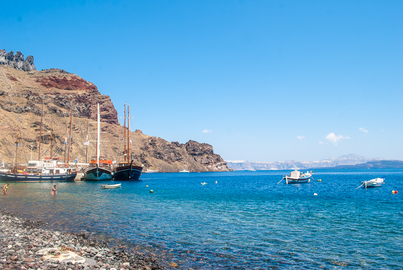 image of the boats and sea of islands near santorini