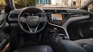 Toyota Camry Interior Specs: Entertainment touch screen radio