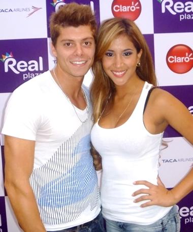 Foto de Ignacio Baladán posando junto a Melissa Paredes