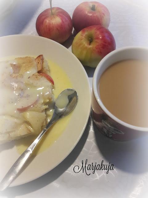 omenapiirakkaa kahvin kanssa