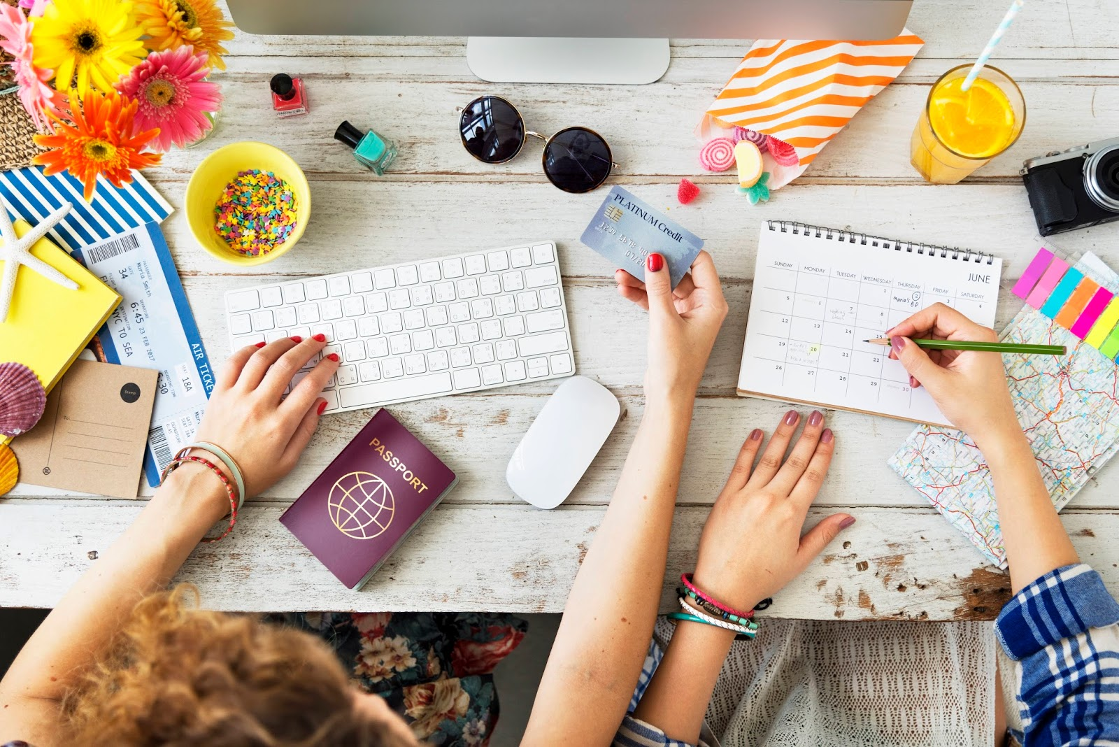 Dicas práticas para organizar uma viagem por conta própria