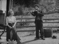 """Кадр из фильма Чарли Чаплина """"Скиталец"""" (1916) - 3"""