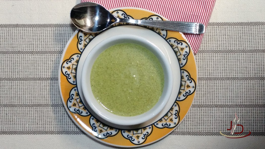 foto sopa cremosa de espinafre