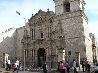 Iglesia de La Compañía, Arequipa, Perú, La vuelta al mundo de Asun y Ricardo, round the world, mundoporlibre.com
