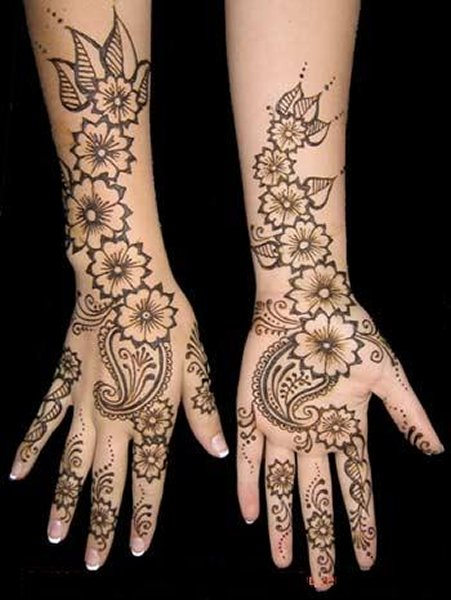 Beautiful Mehandi Design with Flower and Leaves