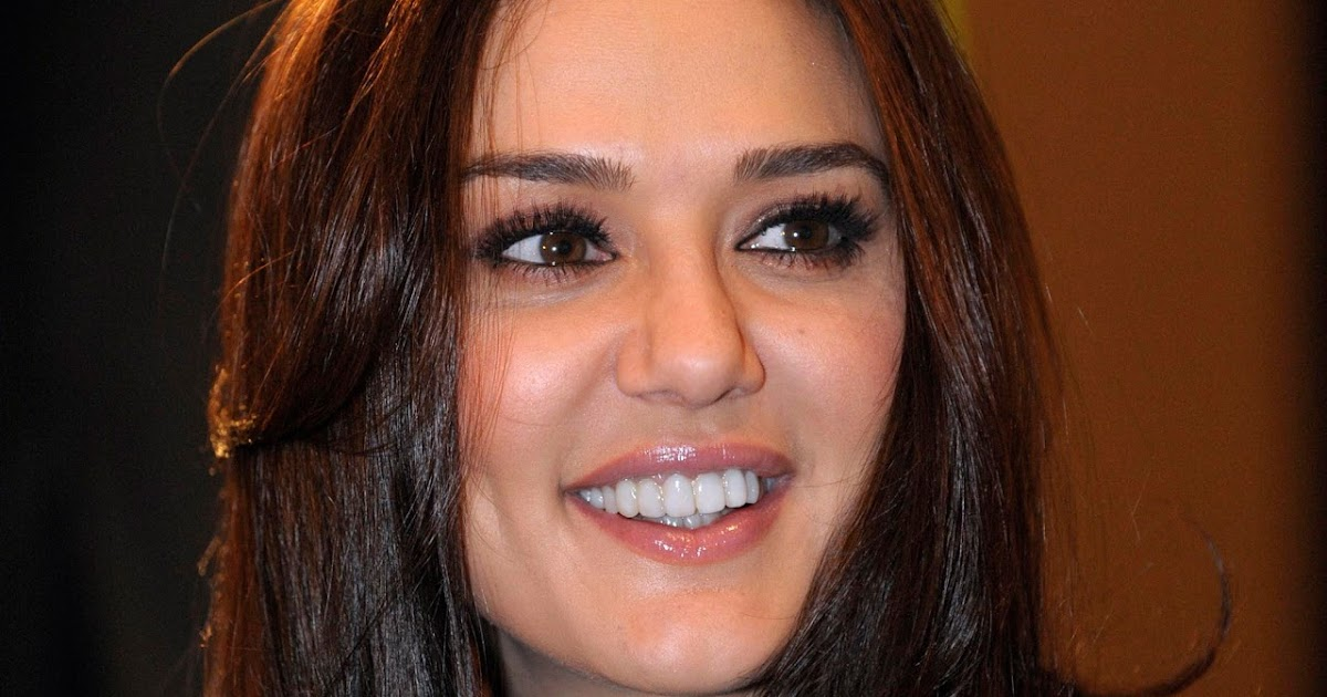 Bollywood Actress Gorgeous Dimple Girl Preity Zinta Full