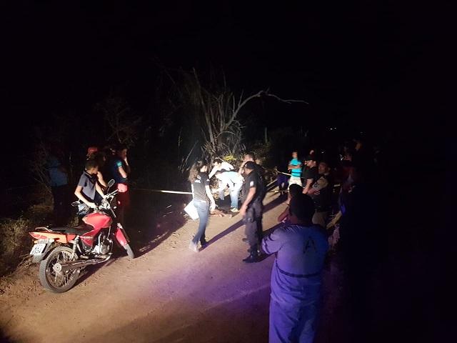 Homem é assassinado a tiros em Ouricuri na frente da esposa e do filho