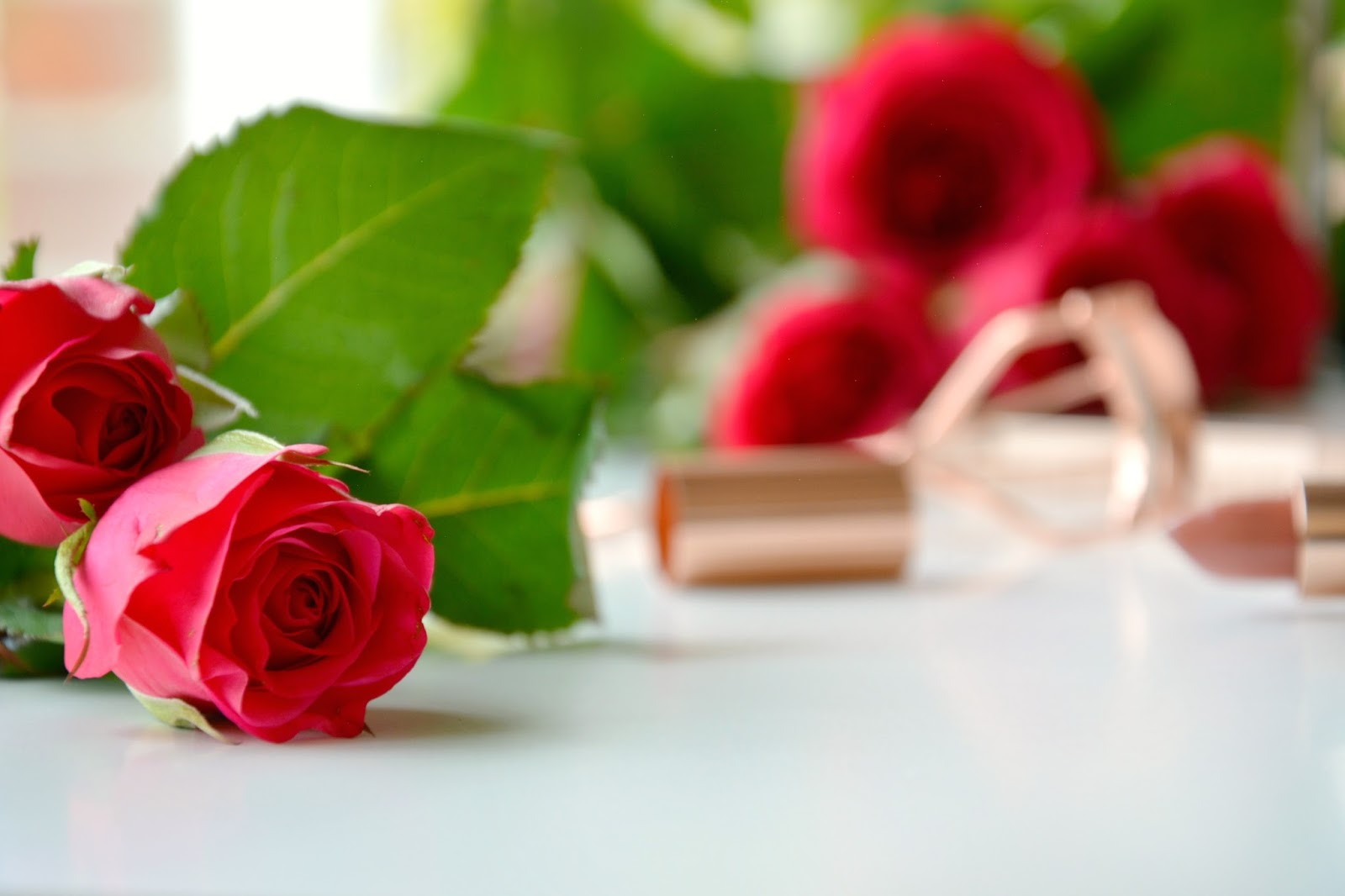 Red Roses; Makeup Revolution Renaissance Lipstick Awaken; Primark Eyelash Curler Rosegold