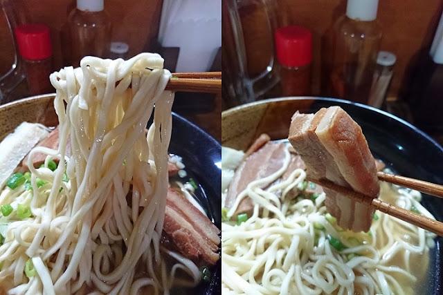 宮古そばの麺と三枚肉の写真