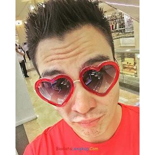 Baim Wong, foto terbaru Baim Wong, biodata Baim Wong, pacar baru Baim Wong, rumah Baim Wong